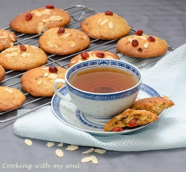 Biscuiti cu merisoare si iaurt #cookies #cranberries