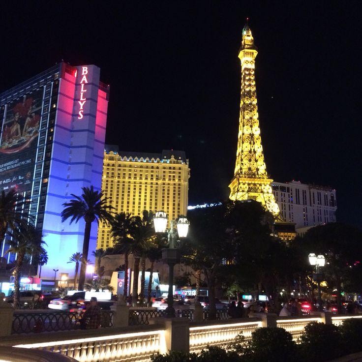 Las Vegas se inspira en Paris de Noche