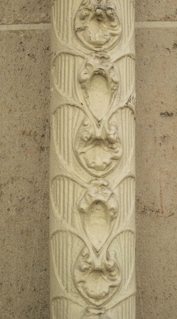 Art Nouveau downspout by Hector Guimard