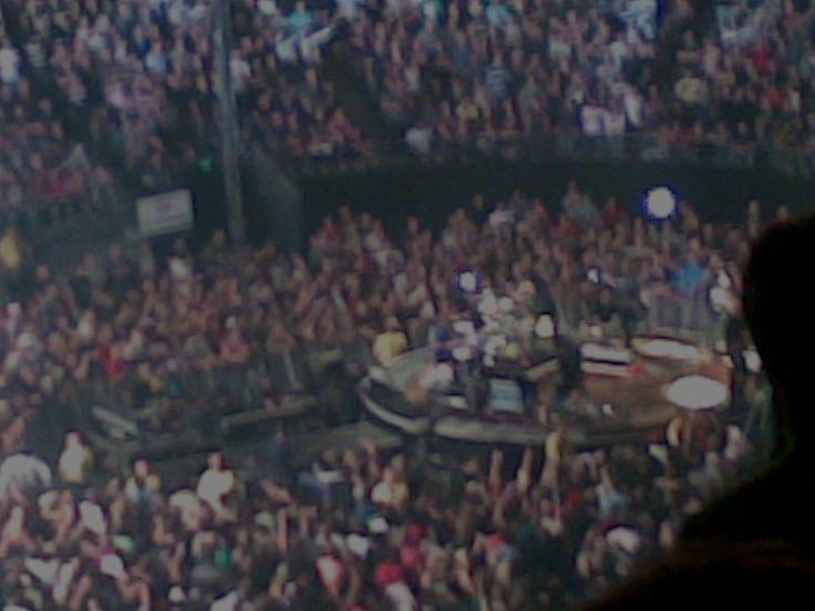 Foo Fighters. good camera :.I