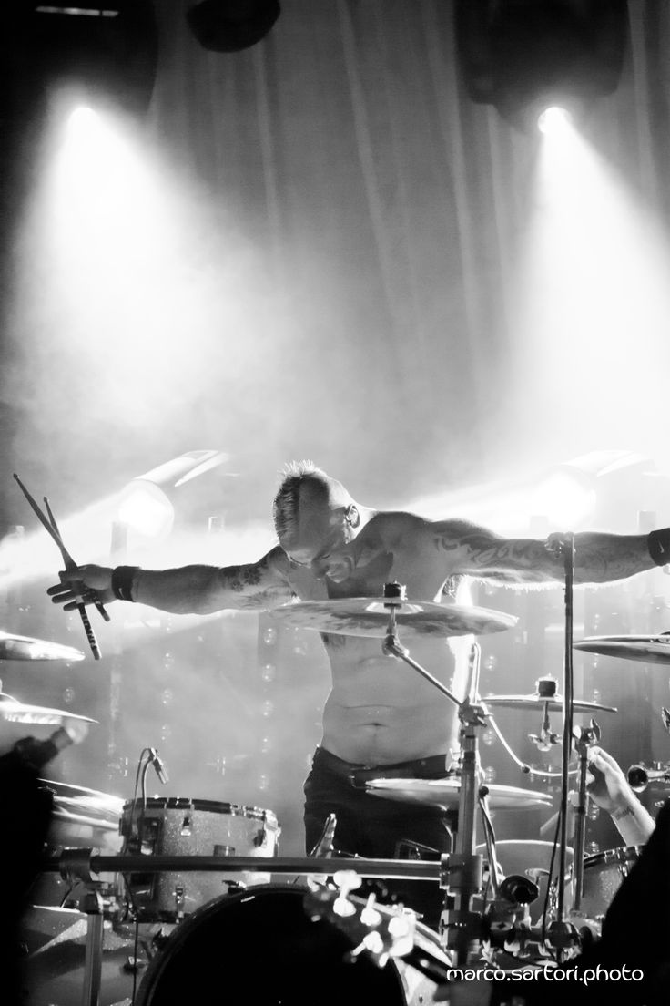 Skunk Anansie live @ Ferrara Italy #skunkanansie #skin #b&w #black&white #ferrara #drummer