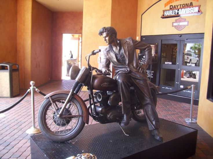 A nice tribute to Elvis at a Harley David dealership in Daytona, FL. Elvis gave 2 concerts in Daytona in 1955.