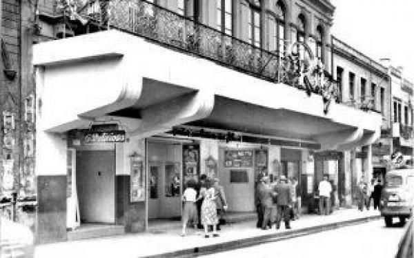 Cinemas de Curitiba - Cine Ritz em 1949 - hoje Galeria Ritz