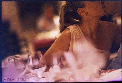 Couple in purples & earth tones - Edward Olive fotos de boda con arte y estilo para novias con estilo y clase
