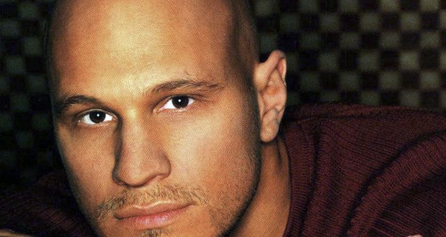 Country music singer Kevin Sharp dies at age 43