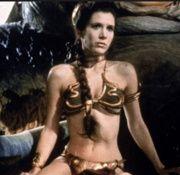 """""""Lo que quedará de mí tras el viaje hacia la estrella de la muerte es una hija devota, unos pocos libros y una foto de una chica con un bikini brillante descansando sobre un calamar gigante"""" Carrie Fisher"""