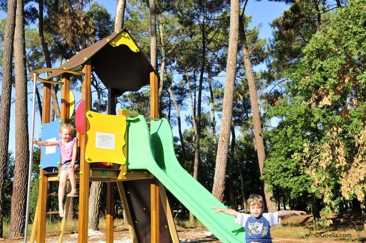 Pour les plus petits, l'aire de jeux pour enfants aux demeures du Lac, résidence Goelia à Casteljaloux.