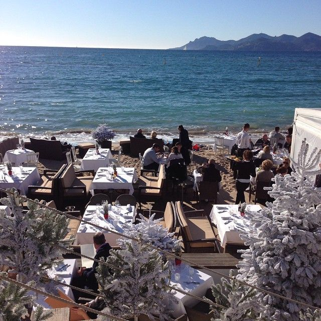 #travellingram #trip #cannes #ilmaredinverno #costaazzurra #cotedazur #viaggio #mare #sea #france #francia #newyearseve #capodanno #contdown #2015 #contoallarovescia #voyage #travel  #viaggio #celebration #coast #vacanza #instabest #orizzonte #christmastree #foodporn #view