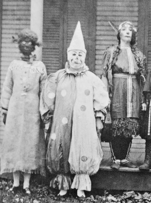 creepy vintage halloween photos - scary kids costumes - clown
