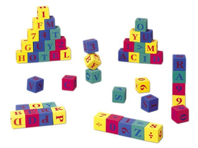 Cubos de numeros y letras. Edad +5 Ref 8-01529