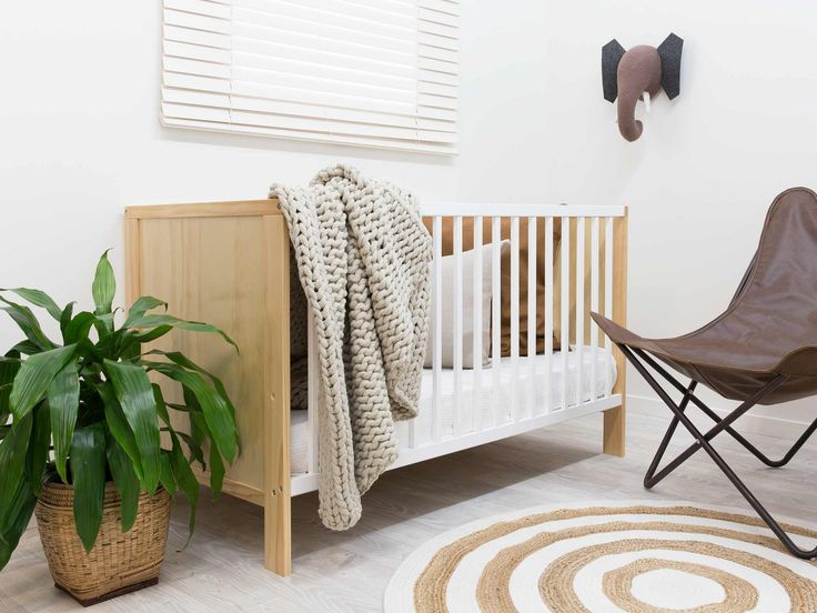 Mocka Aspiring Cot - White/Natural with Circa Rug Butterfly Chair and Animal Heads