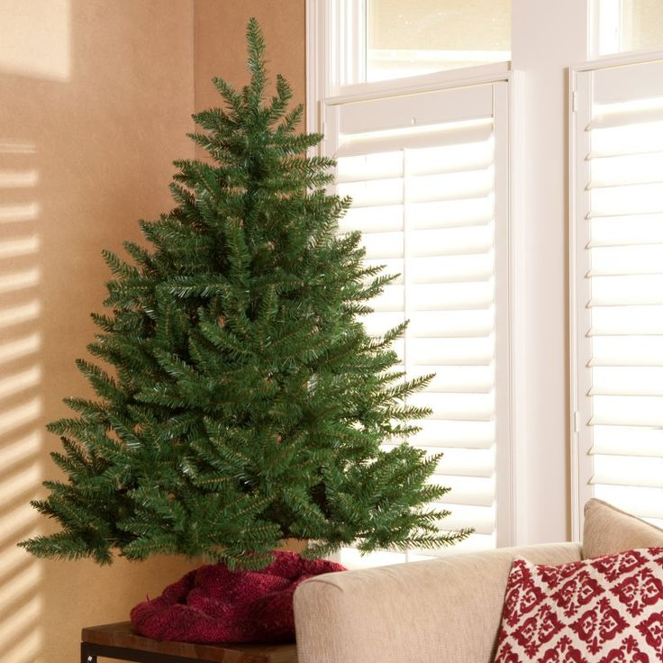 4.5 ft. Classic Tabletop Unlit Christmas Tree - 3NK46-472Q