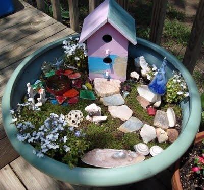 A fairy garden via http://newsmix.me