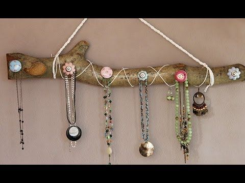 DIY Wood Necklace holder + Tutorial - QTPlace