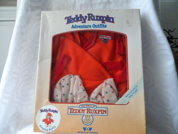TEDDY RUXPIN 1985 SLEEPING OUTFIT COSTUME UNUSED IN BOX WORLDS OF WONDER WOW This is the 1985 Worlds of Wonder Teddy Ruxpin Sleeping Outfit. It