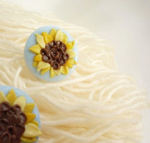 Tiny sunflower earings