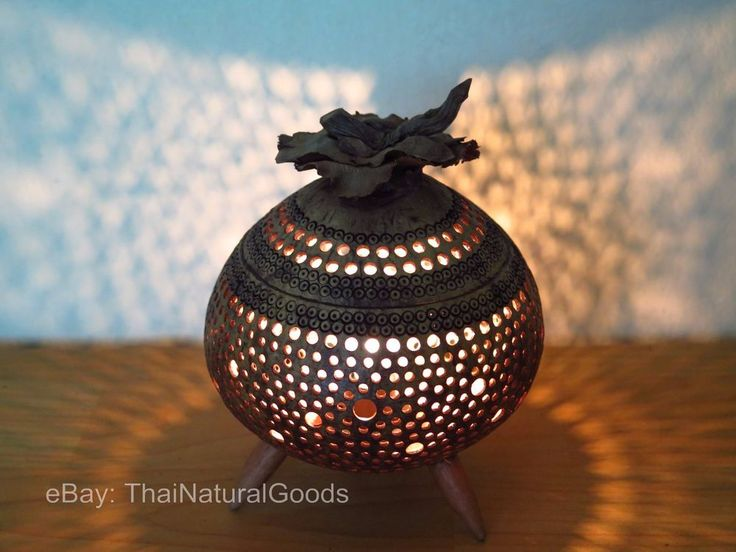 Wooden Bedside Table Lamps made of Coconut Shell - Asian Night Light Wood Shades #ThaiNaturalGoods #CountryTropicalThaiAsianOriental #ChristmasNewYearHolidaysCasualusage