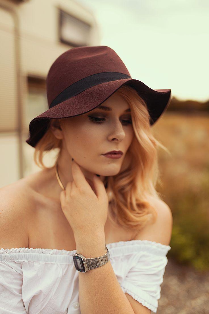 Portrait, Schön, Inspiration, Hut, Blonde Haare, Frau, Bloggerin Christina Key aus Berlin,