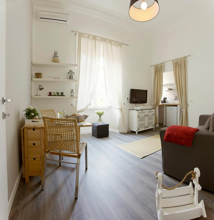 "Located on Viale Bastioni di Michelangelo 5A, right in front of the Vatican Walls, just few steps to Vatican and Saint Peter square. Palazzo Apartment Bastioni C "" is a cozy apartment which can welcome up to 3 guests. The apartment features a brand new kitchenette located in the living room, one bathroom, and one bedroom. The bedroom features a king size bed, LCD high definition 32 inch flats screen TV, dock station, air conditioning, walk in closet, WIFI."