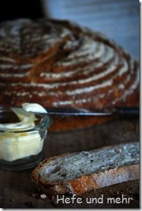 "Weizenbrot mit ""altem Brot""/ Bread with ""old bread""-preferment"