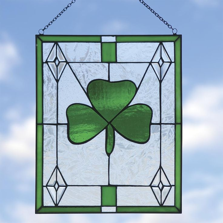 Shamrock stained glass bring the magnificent art of for Shamrock decorations home