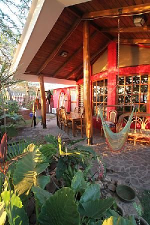 Gypsy Vita World Traveler| Serafini Amelia| Dale Dagger Surf Lodge, Playa Gigante, Rivas, Nicaragua