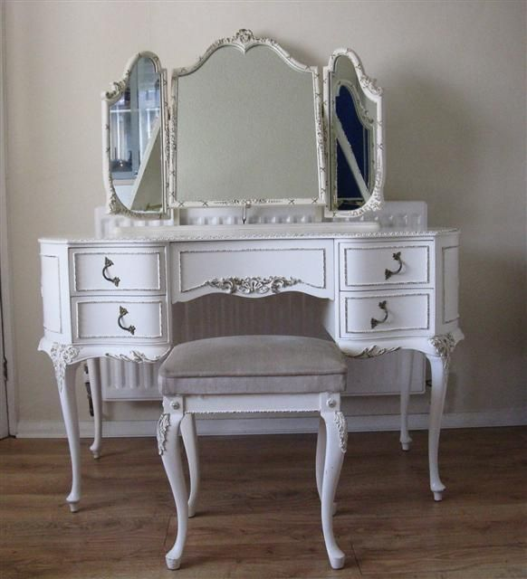 12 best images about makeup table on pinterest makeup for Retro dressing table