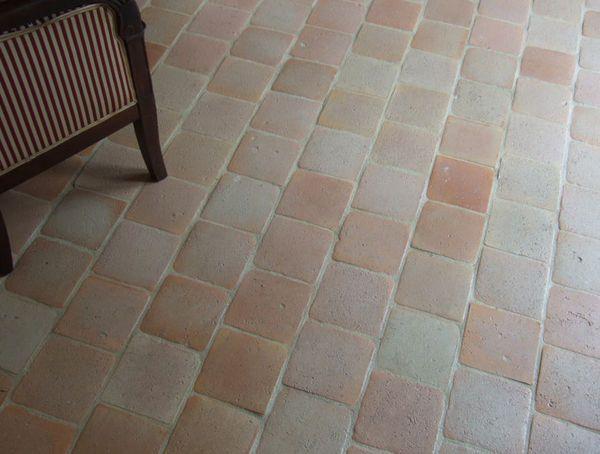 Carrelage de sol terre cuite ceramiques du beaujolais for Carrelage terre cuite castorama