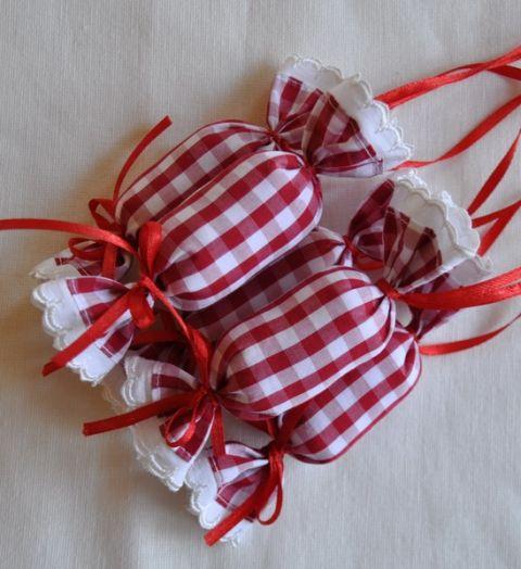 Romantikus textil szaloncukor, Dekoráció, Karácsonyi, adventi apróságok, Karácsonyfadísz, Karácsonyi dekoráció, Varrás, Patchwork, foltvarrás, Meska