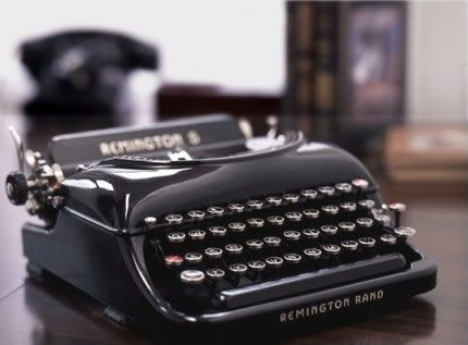 Previous pinner:  These Remington 5 typewriters are amongst the most beautiful.