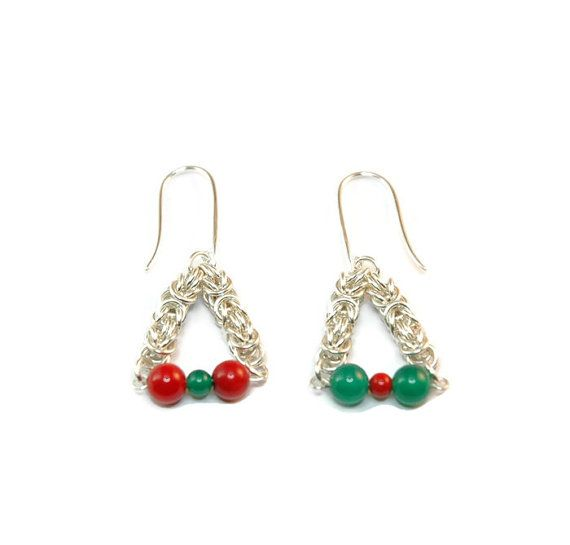 Christmas Earrings - Sterling Silver Byzantine Chainmaille Earrings with Red Coral and Green Onyz Christmas Beads. #handmade