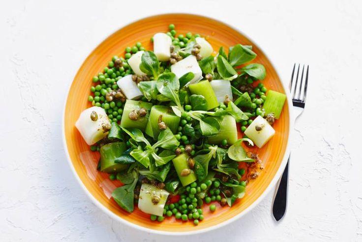 Prei-tuinerwtensalade met citroen-oreganodressing - Recept - Allerhande