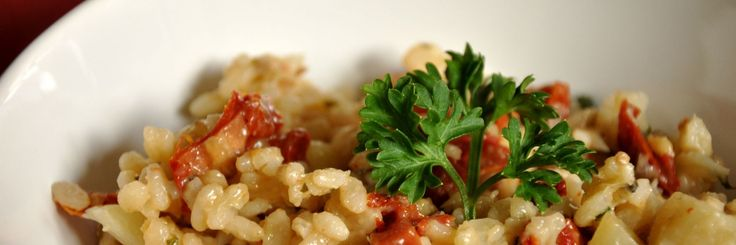 Italiaanse venkelrisotto met zongedroogde tomaten, tofu en kappertjes