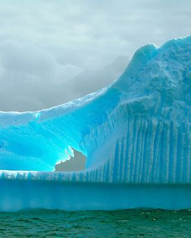antarctica http://www.overloadedinformation.com/amazing-cruise-destinations-you-will-want-to-experience/pics/#2