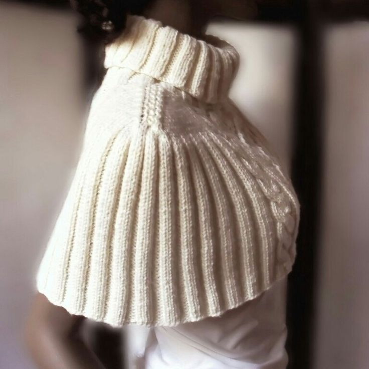 New Item available! Soft capelet in skinfriendly yarn.