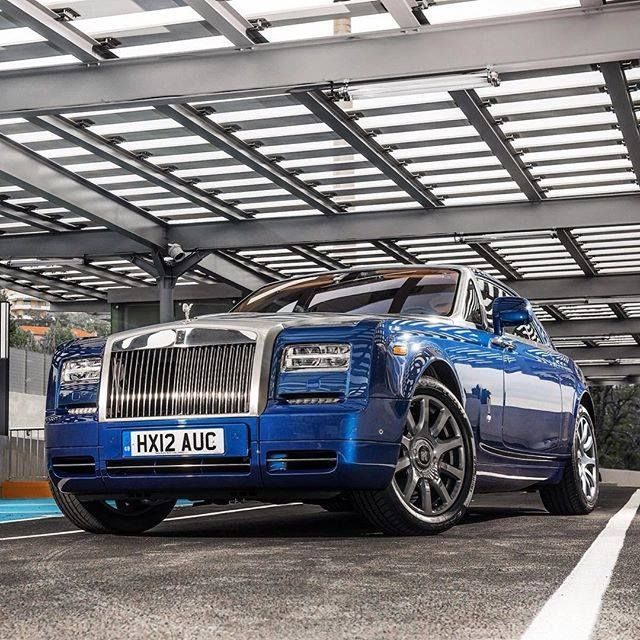 #Motorsquare #oftheday : #RollsRoyce #Phantom Coupé what do you think about it?