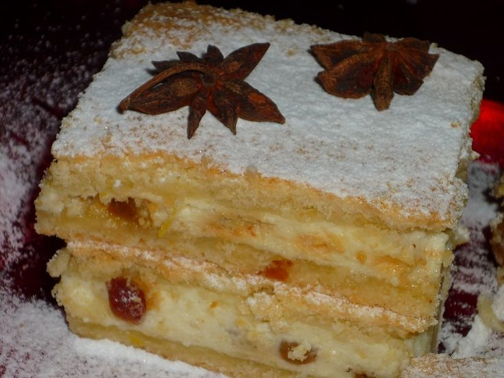 Reteta Placinta frageda cu branza dulce si stafide - Prajituri