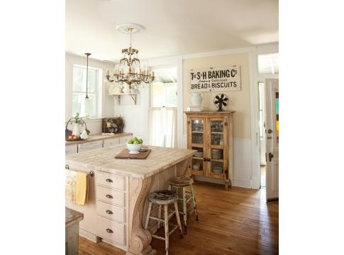 Vintage charm:): Farmhouse Style Signs, Rustic Farmhouse, Kitchens Ideas, Rustic Kitchens, Farmhouse Kitchens, French Style Farmhouse Ideas, Missouri Farmhouse, Vintage Kitchen, French Kitchens