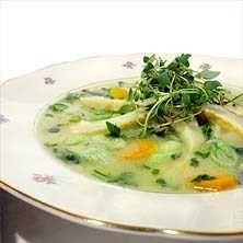 Vegetarisk vårsoppa - Recept - Tasteline
