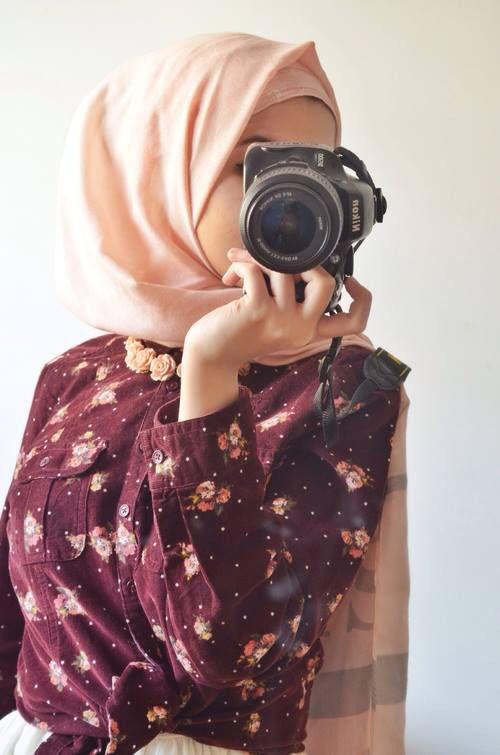 Hijabist photographer