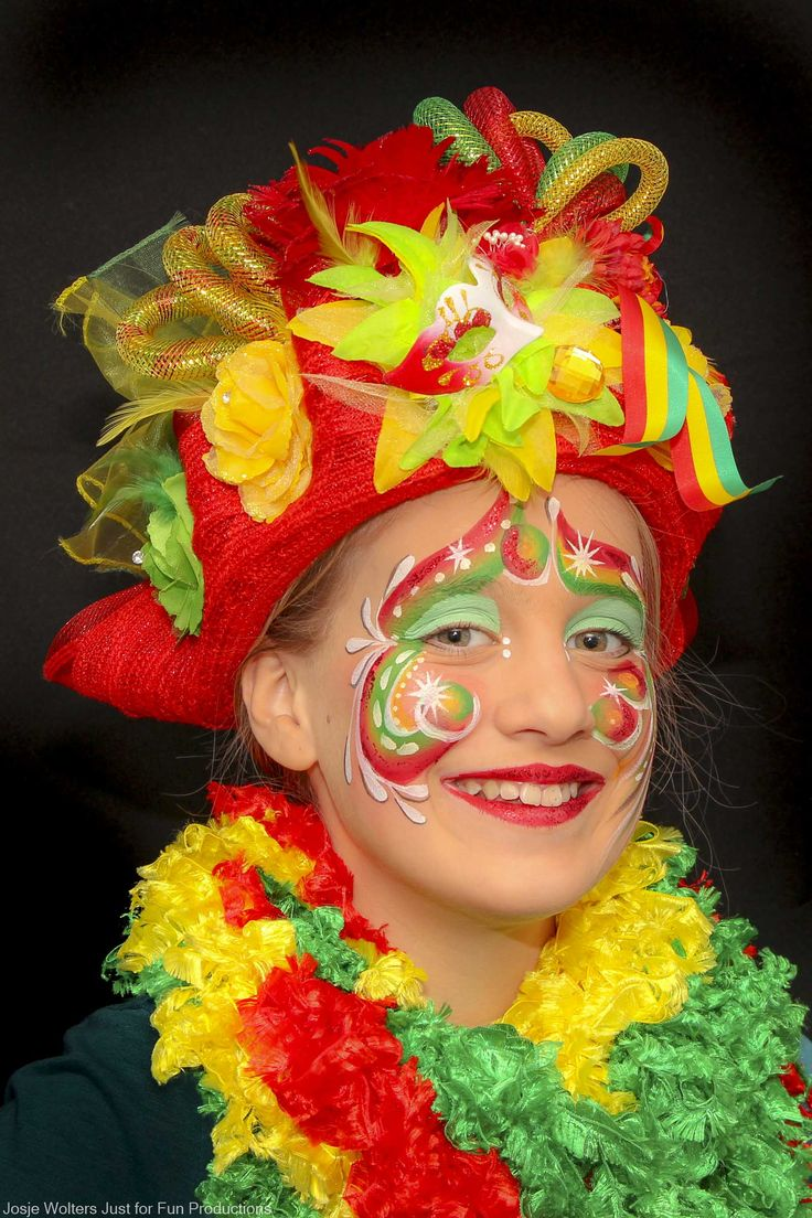 A colourfull blog about the Art of Carnival l Een kleurig blog over de Kunst van Carnaval by Het koffertje van Corine