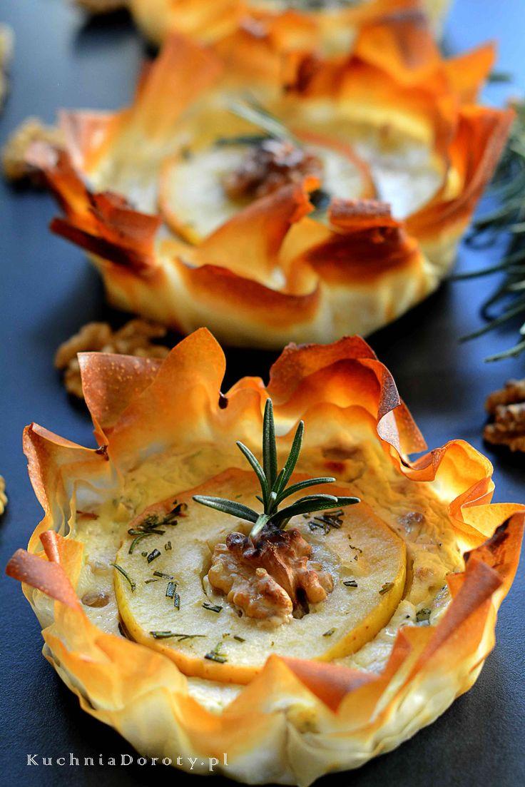 Tartaletki z Serem Pleśniowym i karmelizowanymi Jabłkami – Idealna Przystawka