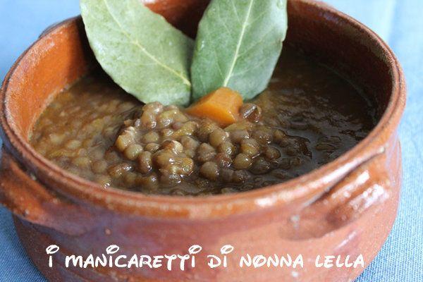 ZUPPA DI LENTICCHIE I manicaretti di nonna Lella http://blog.giallozafferano.it/graziagiannuzzi/zuppa-di-lenticchie/