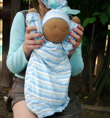 Information and data on baby weight gain in pregnancy from conception right up to the first 6 months of life. Find out the weight your child should be based on its age.  Millet-filled weighted doll, http://pregdiets.com/baby-weight-gain.html