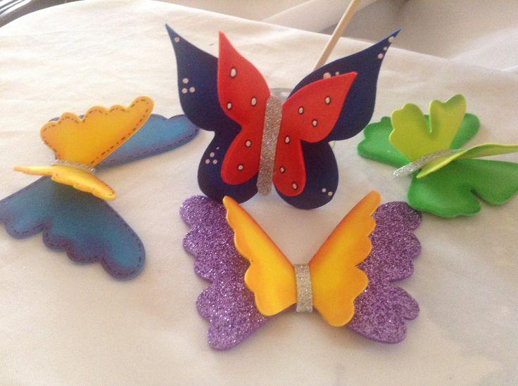 MOLDE de mariposa utilizado: http://k30.kn3.net/5/8/D/F/F/9/827.jpg Ideales para móviles, ornamentación de aulas, cumpleaños...Fáciles de confeccionar y pone...