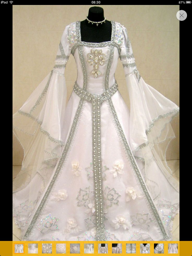 Wiccan wedding dress. Beautiful!! I want this!