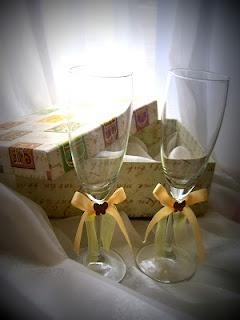 Copas de los novios para el brindis/ glasses for the newlyweds
