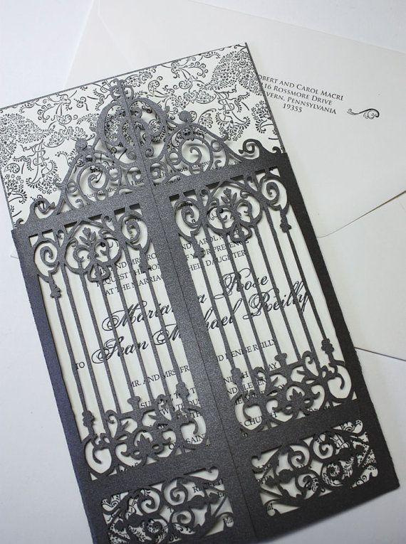 Enveloppez votre invitation un magnifique gatefold avec découpe au laser pour ressembler à une vieille porte en fer forgé. Il crée instantanément laura délégance vintage. Le prix est pour le gatefold seulement (poche arrière, ajouter.55. Nous sont un atelier de service complet, de sorte que nous pouvons imprimer votre invitation en typographie, impression de plat, ou à lencre en relief. Vous pouvez sélectionner nimporte quel stock de papier de couleur de la palette de couleurs (ci-dessus).