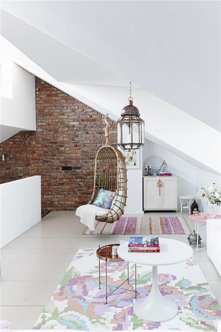 Vardagsrum med korgstol