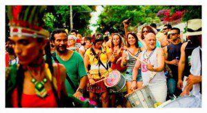 Bloco Pimentas do Reino desfila no pré-Carnaval da Vila Madalena